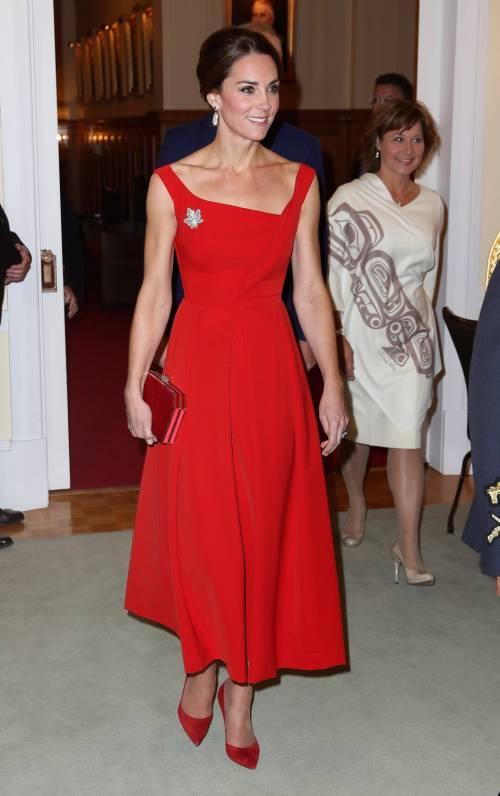 Kate in rosso incanta il Canada 4