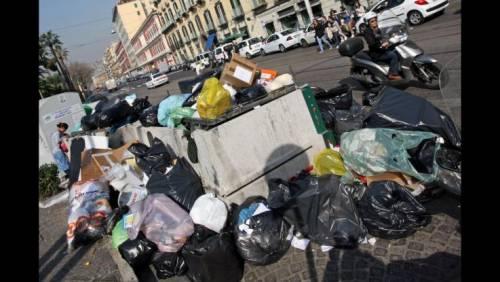 """La Bonaccorti contro la Raggi: """"In attesa delle pecore, abbiamo i cinghiali tra l'immondizia"""""""