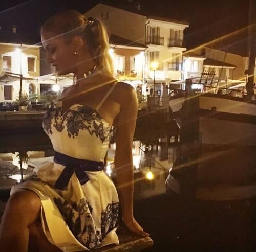Mercedesz Henger, le foto più sexy 8