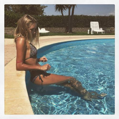 Mercedesz Henger, le foto più sexy 15