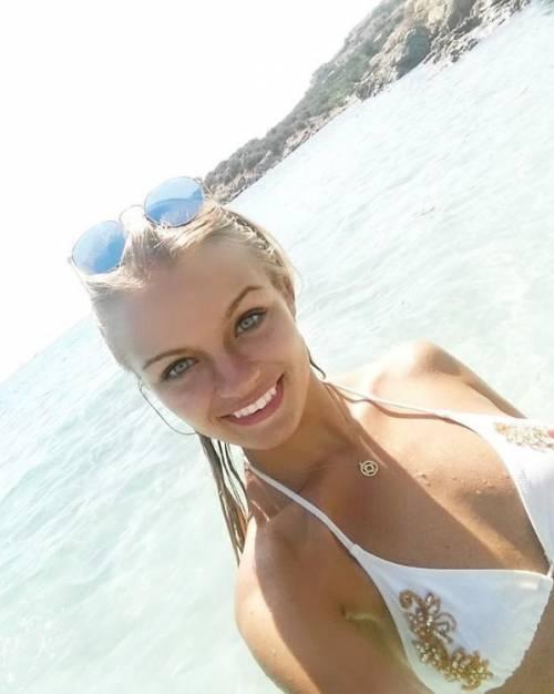 Mercedesz Henger, le foto più sexy 22
