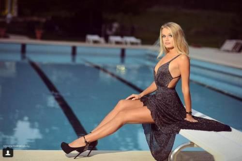 Mercedesz Henger, le foto più sexy 30