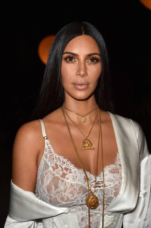 Kim Kardashian, il décolleté esplosivo della diva 18