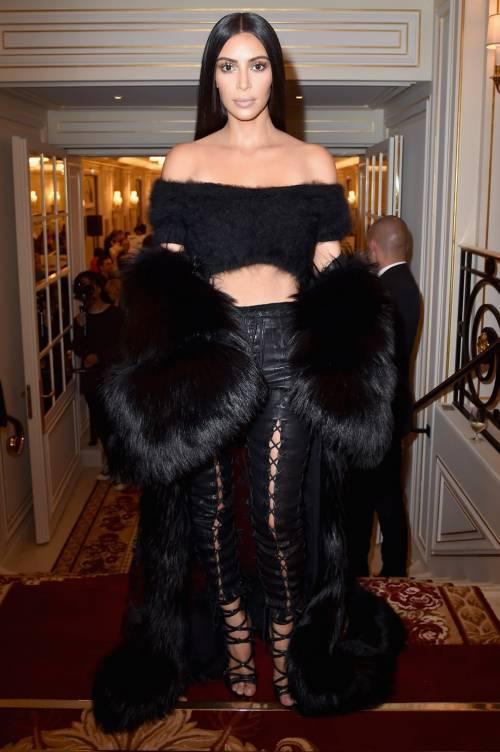 Kim Kardashian, il décolleté esplosivo della diva 33