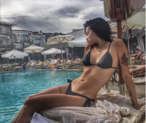 GF Vip: le sexy mamma e figlia Antonella Mosetti e Asia Nuccetelli 13