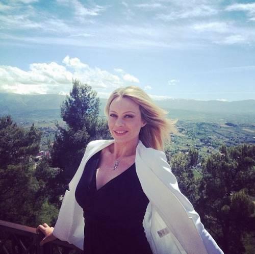 Anna Falchi, le foto 13