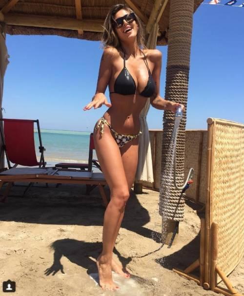 Cristina Buccino sexy su Instagram: foto 8