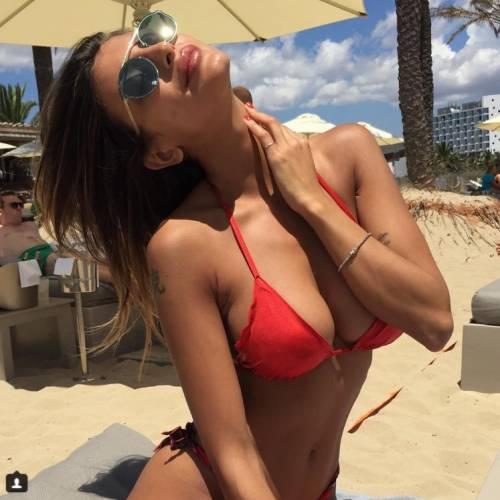 Cristina Buccino sexy su Instagram: foto 9