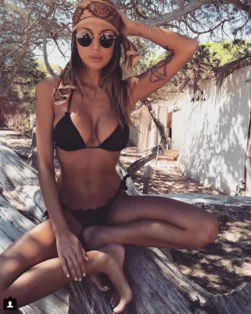 Cristina Buccino sexy su Instagram: foto 16