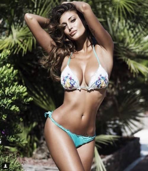 Cristina Buccino sexy su Instagram: foto 30
