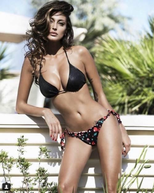 Cristina Buccino sexy su Instagram: foto 32