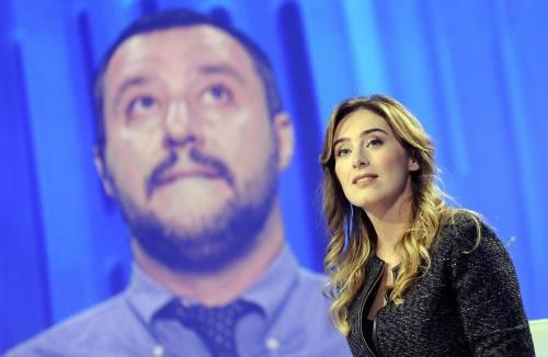 """""""Col Sì più immigrati"""" Scontro Salvini-Boschi da Vespa"""