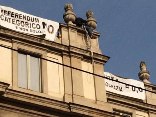 Milano, sul tetto della Scala per protesta 7