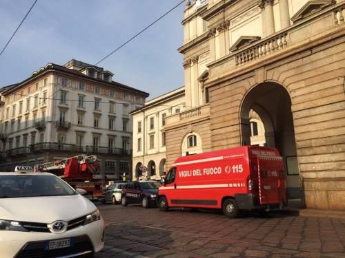 Milano, sul tetto della Scala per protesta 2