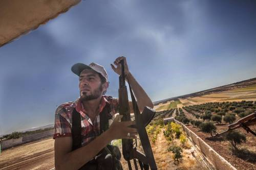 Adesso in Siria è guerra pure tra le fazioni ribelli
