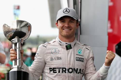 F1, Rosberg trionfa in Giappone. Ferrari giù dal podio