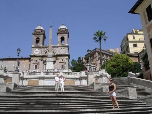 Roma, gaffe a Trinità dei Monti: i restauratori storpiano il latino