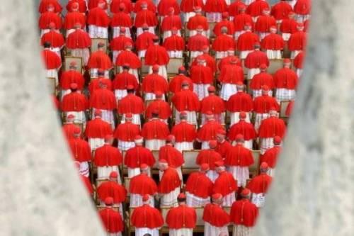 La Chiesa di Bergoglio e il rapporto tra Vaticano e periferie