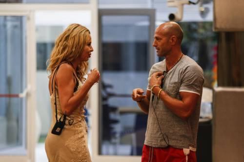 GF Vip: Valeria Marini e Stefano Bettarini, i momenti hot 28