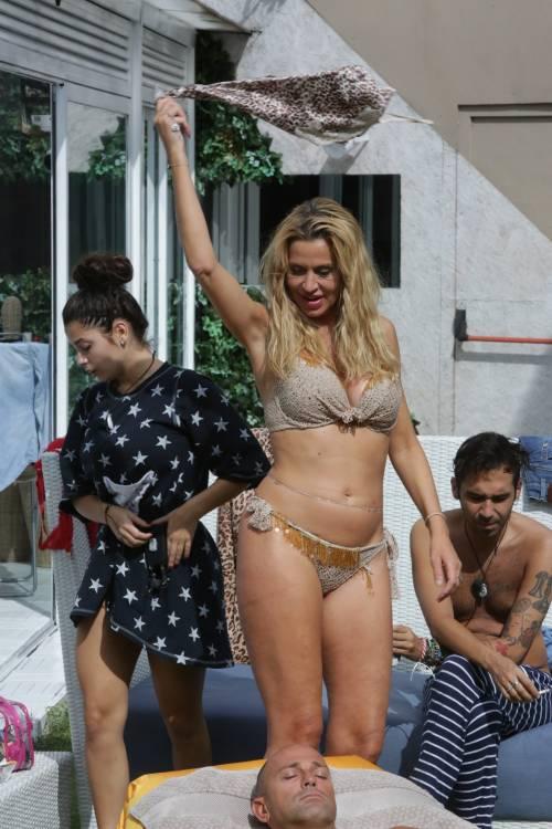 Grande Fratello Vip, i bikini più sexy 33