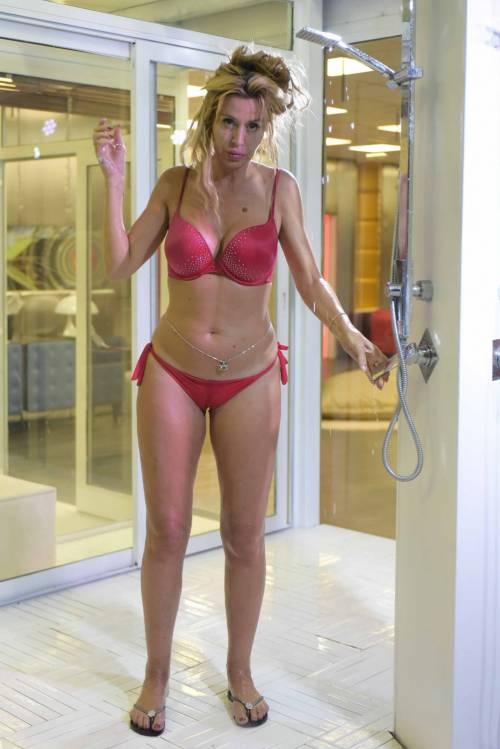 Grande Fratello Vip, i bikini più sexy 31
