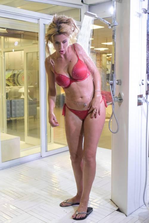 Grande Fratello Vip, i bikini più sexy 35