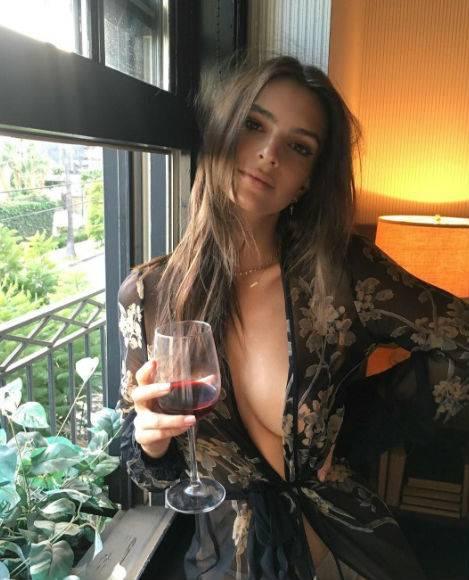 Emily Ratajkowski, le foto 4
