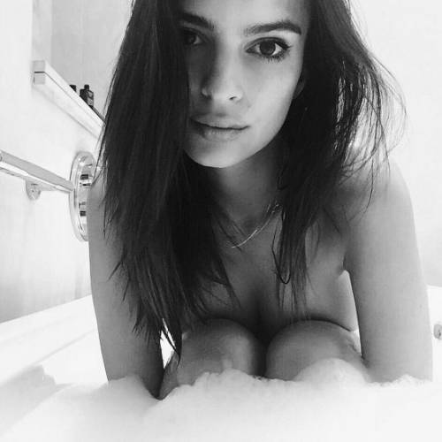Emily Ratajkowski, le foto 8