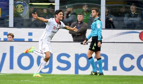 L'Inter crolla al Meazza, il Cagliari vince 2-1: Icardi contestato