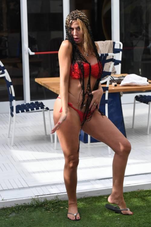 Grande Fratello Vip, Valeria Marini sempre più sexy 6