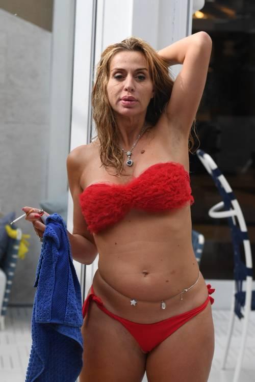 Grande Fratello Vip, Valeria Marini sempre più sexy 12