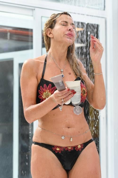 Grande Fratello Vip, Valeria Marini sempre più sexy 21