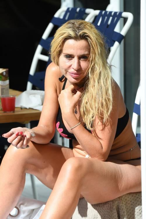 Grande Fratello Vip, Valeria Marini sempre più sexy 24