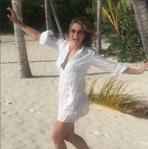 Elizabeth Hurley, sexy tra pubblico e privato 7