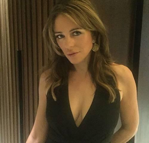 Elizabeth Hurley, sexy tra pubblico e privato 12