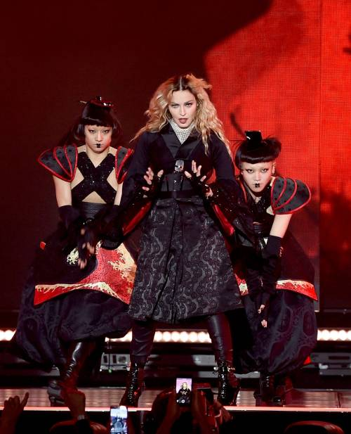 Madonna, i look sexy ieri e oggi 16