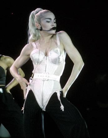 Madonna, i look sexy ieri e oggi 19