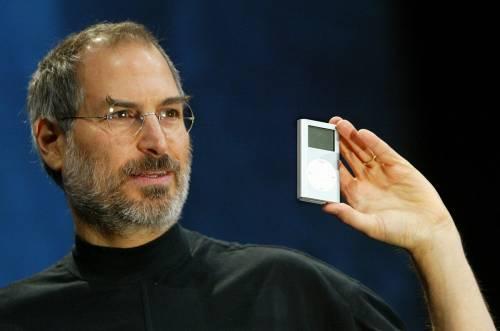 All'asta il curriculum di Steve Jobs: pieno di errori e spazi bianchi
