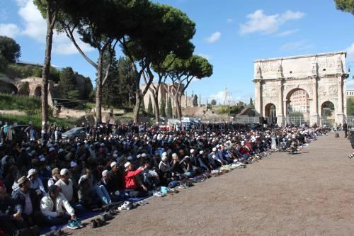 Il venerdì di preghiera dei musulmani al Colosseo 6