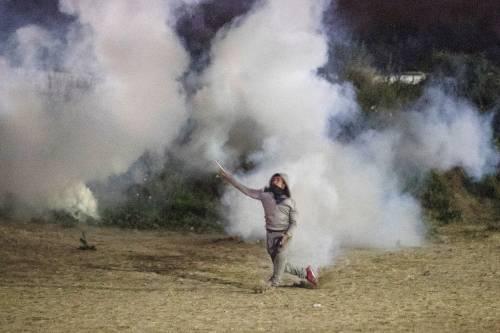 """A Calais scoppia la rivolta nella """"giungla"""" 2"""