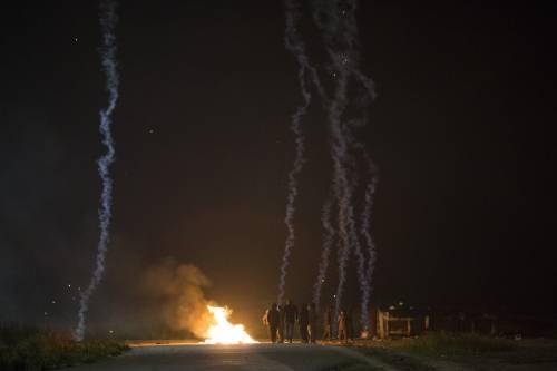 """A Calais scoppia la rivolta nella """"giungla"""" 4"""