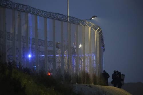 """A Calais scoppia la rivolta nella """"giungla"""" 9"""