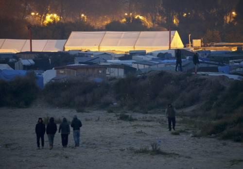 """A Calais scoppia la rivolta nella """"giungla"""" 10"""