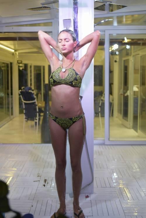 Grande Fratello Vip: doccia hot per Mariana Rodriguez 53