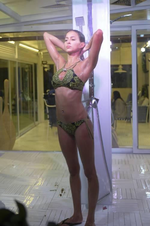Grande Fratello Vip: doccia hot per Mariana Rodriguez 59