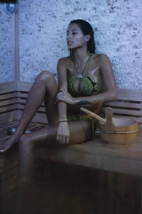 Grande Fratello Vip: doccia hot per Mariana Rodriguez 69