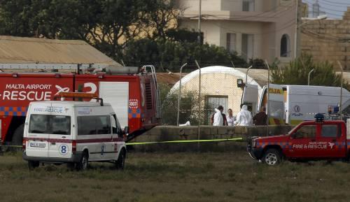 Malta, aereo di sorveglianza doganale francese si schianta nell'aeroporto La Valletta 3