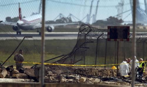Malta, aereo di sorveglianza doganale francese si schianta nell'aeroporto La Valletta 9