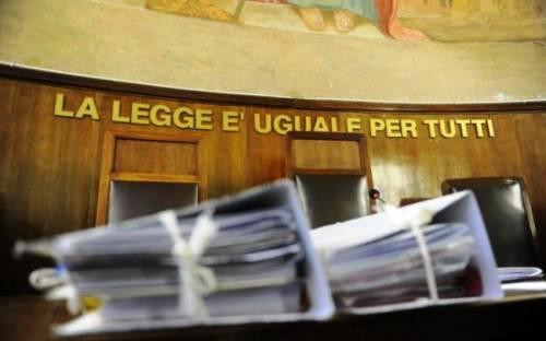 Udine, fa sesso con un 13enne: una donna 41enne nei guai
