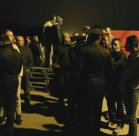 Ferrara, cittadini in strada contro i profughi 5